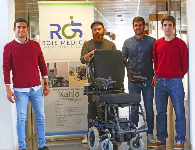 El equipo de ROIS Medical con su prototipo