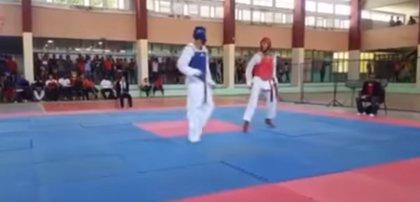 Trágico momento en el que un joven cubano de 16 años fallece durante un combate de taekwondo