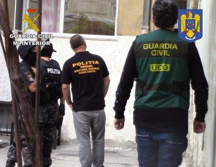 Guardia Civil desarticula una organización que robaba en joyerías de toda la UE a raíz de 3 robos en Lanzarote