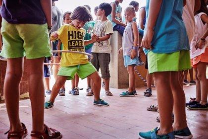Niños en situación de pobreza participan en actividades de verano gracias a 'la Caixa'