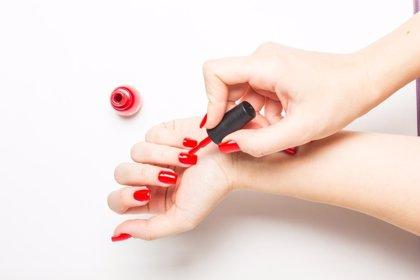 ¿Es malo pintarse las uñas? Cómo hacerse una buena manicura