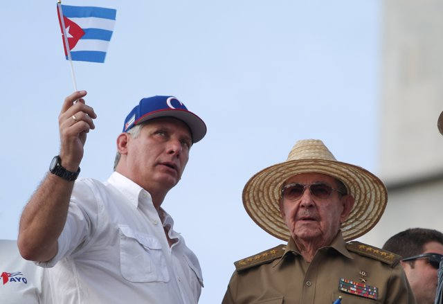 Miguel Díaz-Canel y Raúl Castro