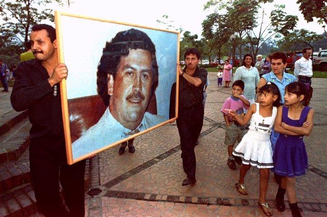 """El """"turismo negro"""" visita a Pablo Escobar"""