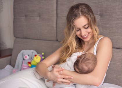 Madre lactante, lo que debes evitar durante este proceso