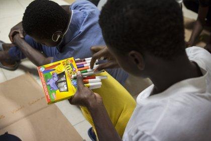 """Save the Children pide un plan de reparto y """"coordinación"""" entre el Gobierno y CCAA para proteger a menores migrantes"""