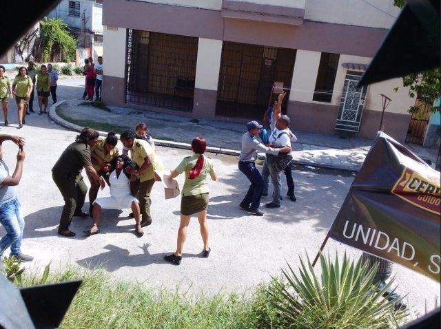 21 Damas De Blanco Son Detenidas En Cuba