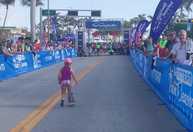 Aynslie terminando una carrera de 5 km