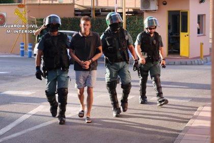 Detenidos los presuntos autores de cuatro robos en gasolineras de Granada