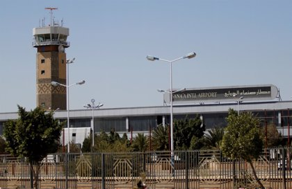 Las ONG denuncian la inutilización del aeropuerto de la capital de Yemen