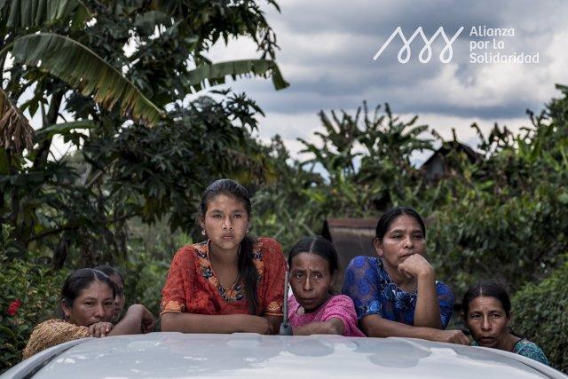 Mujeres de un pueblo indígena