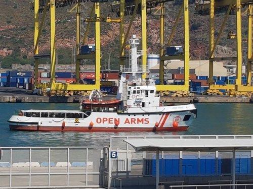 El Open Arms llega al Puerto de Barcelona