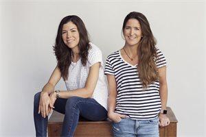 Manuela y Amalia, las hermanas que venden moda de baño en París y reforestan bosques en Colombia