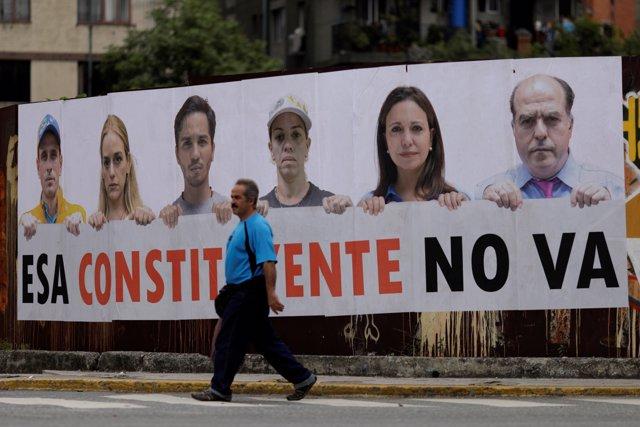 Cartel de la oposición contra la Asamblea Constituyente en Caracas