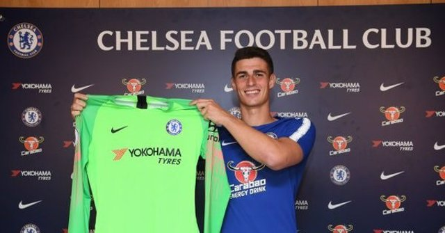 Kepa Arrizabalaga firma con el Chelsea