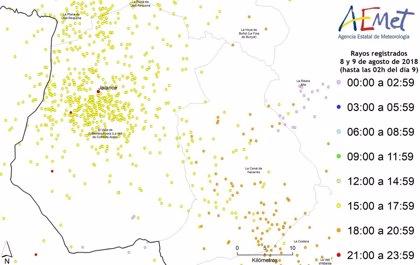 Más de 1.300 rayos caen en la Comunitat, la mitad en la comarca del Valle de Cofrentes-Ayora