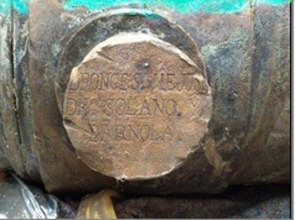 El Puerto de Cádiz descubre un obús de bronce durante labores de mantenimiento en su dársena