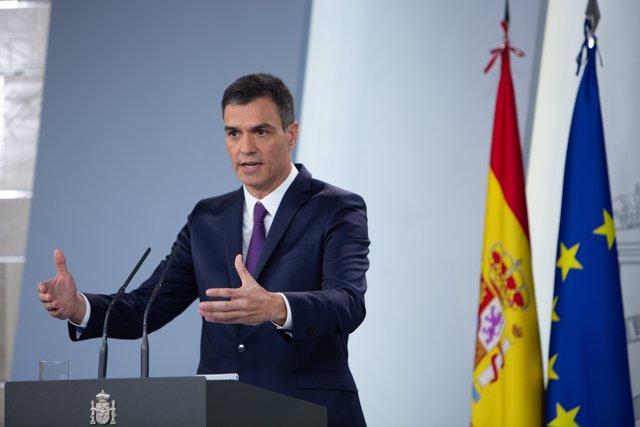 El presidente del Gobierno, Pedro Sánchez, comparece ante los medios después del