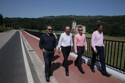 Obras Públicas realiza un paseo peatonal en Ruesga