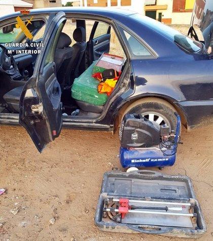 Detenidos dos conocidos delincuentes por el robo en una constructora de Villafranca de los Barros