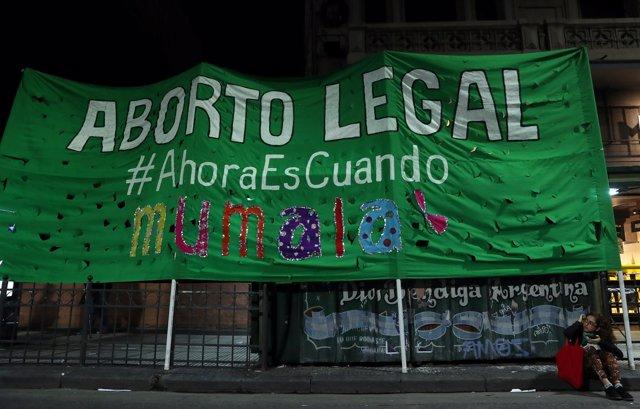 Pancarta a favor de la legalización del aborto en Argentina