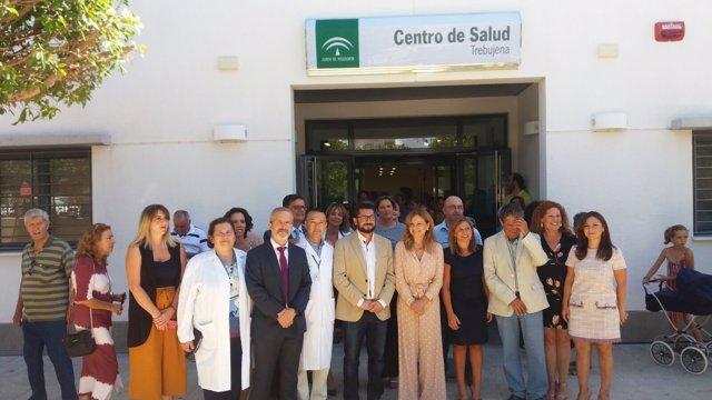 La consejera de Salud, Marina Álvarez, inaugura el centro de salud de Trebujena