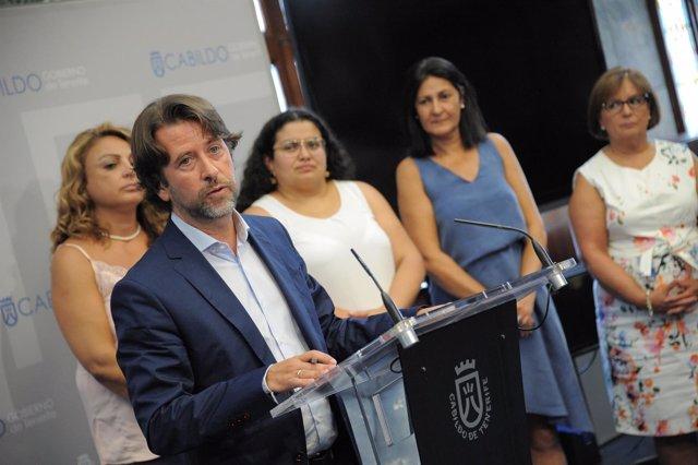 Carlos Alonso en rueda de prensa