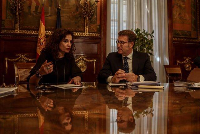 La ministra de Hacienda, María Jesús Montero, se reúne con el presidente de la X