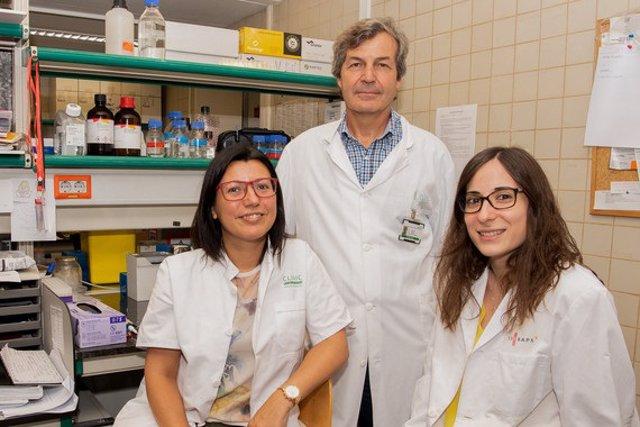 De izquierda a derecha, Meritxell Jodar, Rafael Oliva y Judit Castillo