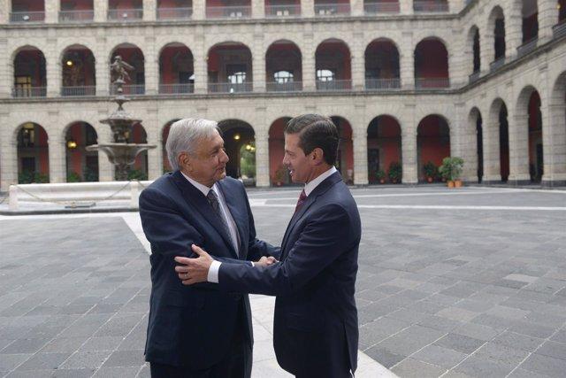 El presidente electo López Obrador y el actual mandatario Peña Nieto