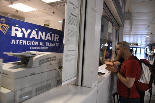 Ryanair asegura que opera el 85% de sus vuelos con 'normalidad' pese a la huelga de pilotos