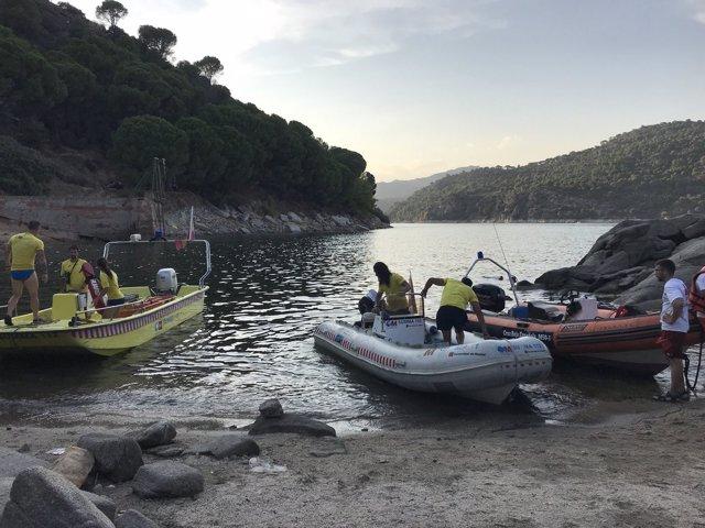 Dispositivo de rescate del bañista ahogado en el Pantando de San Juan