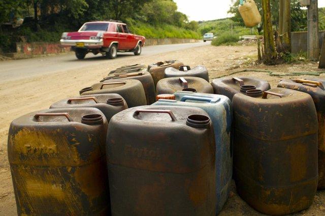 Maduro: Haremos un subsidio directo de la gasolina por dos años