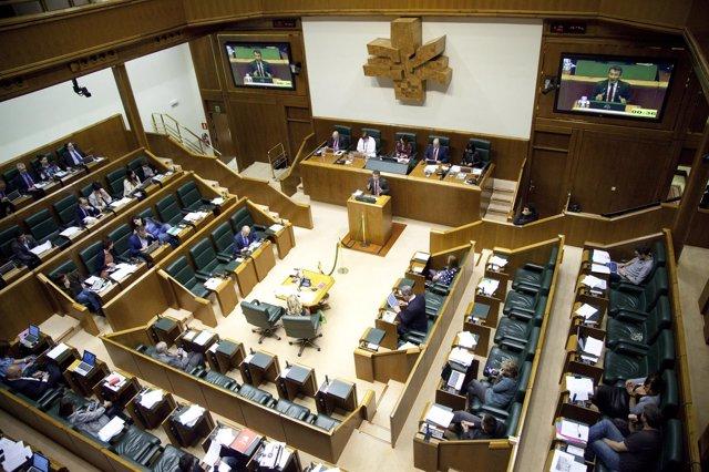 Foto de archivo de Pleno en el Parlamento Vasco