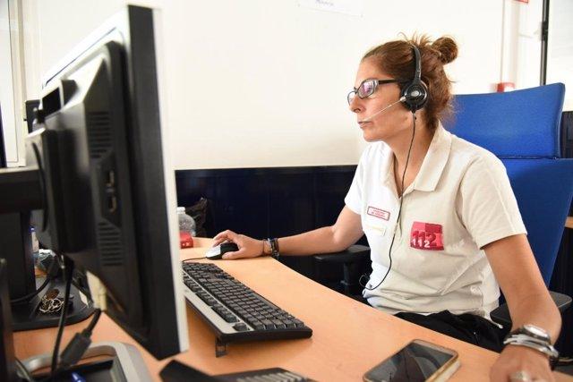 Trabajadora del Servicio de Emergencias 112 de C-LM