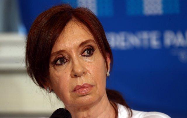 Cristina de Kirchner es citada por el escándalo de las coimas