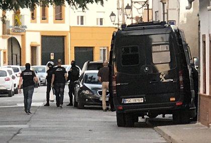 Desmantelada una organización de venta de droga y detenidas nueve personas en Peñaflor (Sevilla)