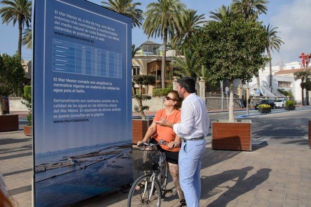 Luengo, durante la presentación de los monolitos informativos sobre el Mar Menor