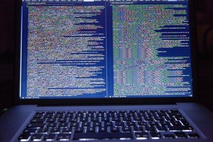 El aprendizaje automático logra identificar a programadores de 'software' anónimos analizando su código
