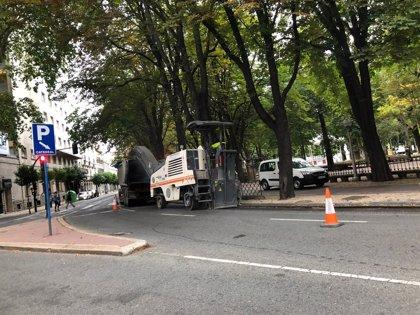 El Ayuntamiento de Vitoria reforzará el pavimento de una veintena de calles