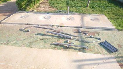Una acción vandálica obliga a mantener cerrada la piscina municipal de La Alquería, en Alhaurín de la Torre