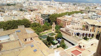 Palma es el segundo destino más buscado para este verano por los viajeros españoles, según Kayak