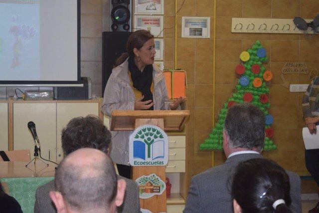 Sonia Gaya presenta el programa Aldea.