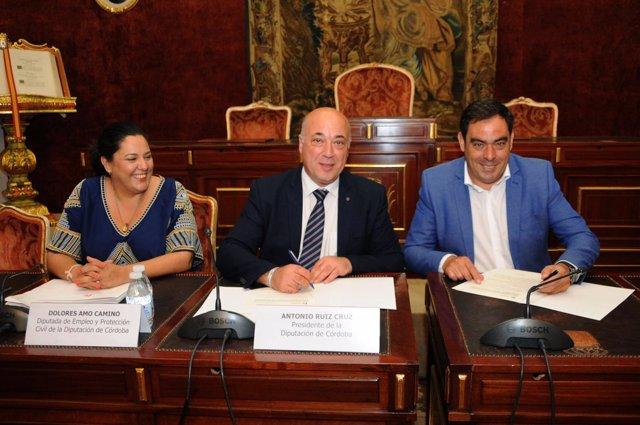 Antonio Ruiz con Rafael Amor y Dolores Amo