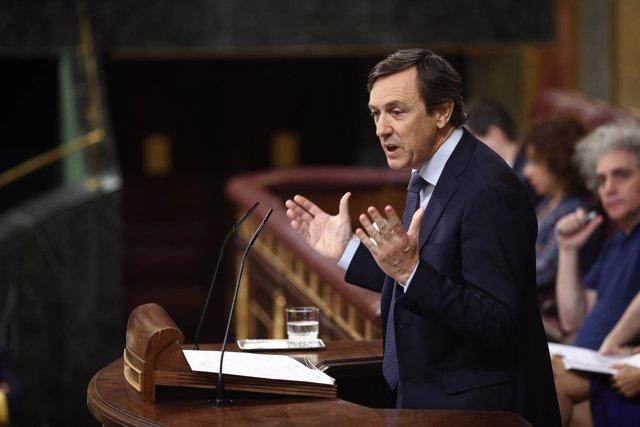 Hernando interviene tras informar Pedro Sánchez de su programa de gobierno