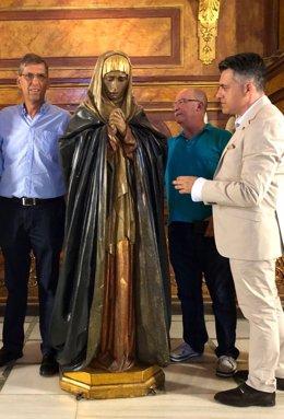 Juan Antonio Lorca comprueba recientemente el estado de la talla