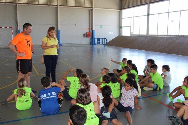 [Sevilla] Np 80 Menores Becados Por El Ayuntamiento Se Benefician De Las Activid