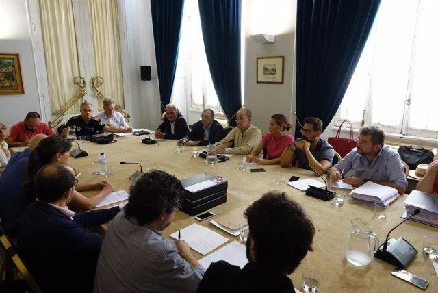 El Ayuntamiento De Málaga Informa: Fotografías (2) De La Reunión Del Alcalde Con