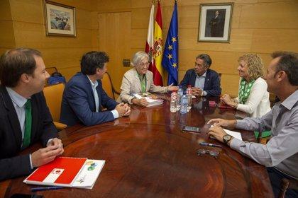Gobierno de Cantabria y ACNUR estudian posibles vías de colaboración