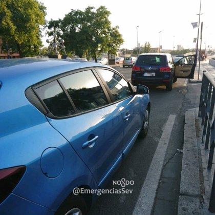 La Policía Local denuncia en Sevilla a un conductor que ofrecía traslados clandestinos en una web