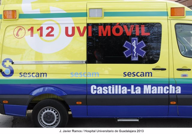 UVI movil, ambulancia, transporte sanitario, SESCAM